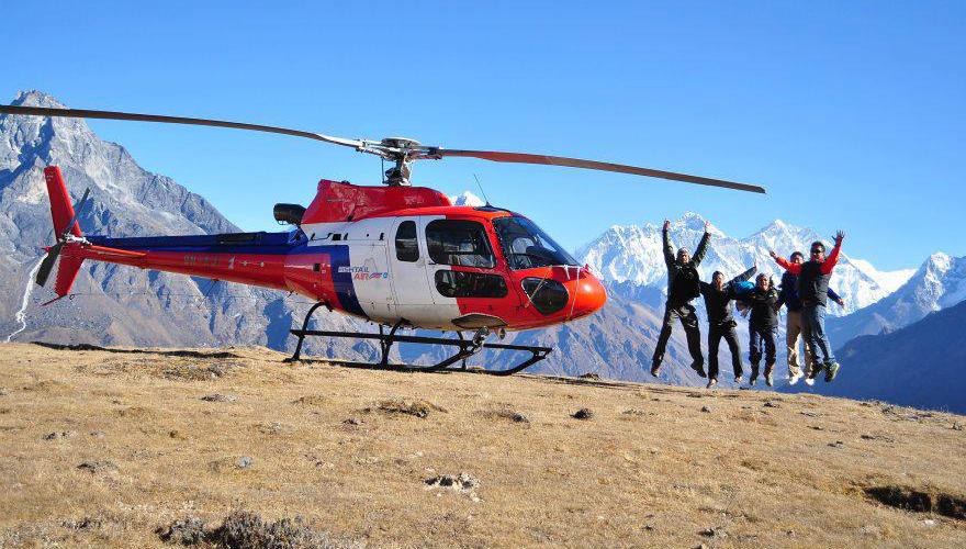 Elicottero Privato : Everest in elicottero privato viaggio trekking nepal